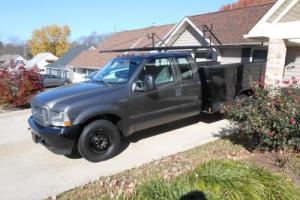 2002 Ford F-350 Round metal roof rack system