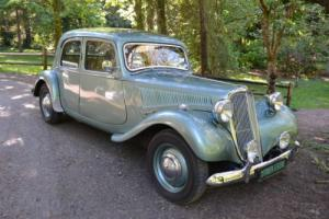 1955 Citroën -- Photo