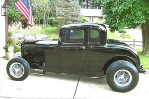 1932 Ford 5w Coupe Photo