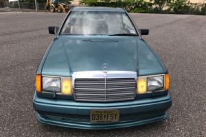 1989 Mercedes-Benz 300-Series Photo