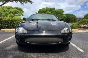 2000 Jaguar XKR Base 2dr Supercharged Coupe Coupe 2-Door V8 4.0L