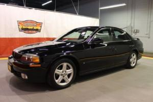 2000 Lincoln LS --
