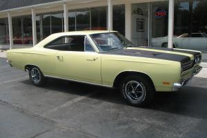 1969 Plymouth Road Runner Sunfire yellow matching numbers 383 Recent Restoration