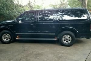 2003 Ford Excursion Limited Photo