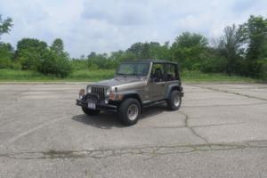 2002 Jeep Wrangler Photo