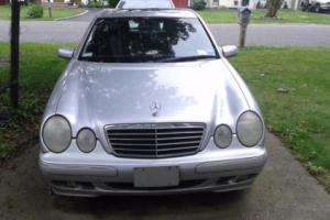 2001 Mercedes-Benz 400-Series Photo