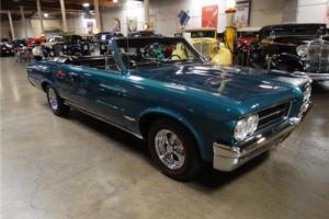 1964 Pontiac GTO -- Photo
