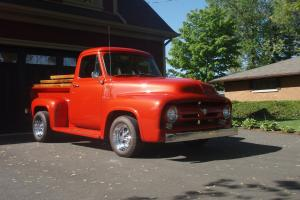 Ford : F-100 TWO DOORS