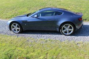 2009 Aston Martin V8 Vantage Base Hatchback 2-Door 4.7L Photo