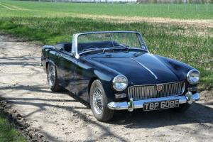 FULLY RESTORED 1967 MG MIDGET