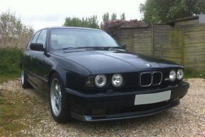 1993 BMW e34 M5 in metallic black - e30, e36, e46, e39 M3 M-Power