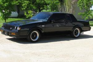 Buick : Grand National Coupe with T-Tops