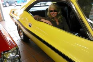 Awesome 528 Hemi Challenger - 4 speed -  Dana - Video!
