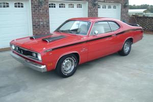 SUPER NICE 1970 PLYMOUTH DUSTER-WITH 340 A/T-BUCKET SEAT-CONSOLE-POWER STEER-P/B
