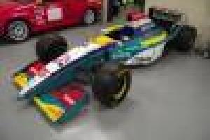 1995 F1 Jordan Peugeot V10 - driven by Barrichello  Photo