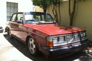 """Volvo 240 Turbo """"flathood"""" SE"""