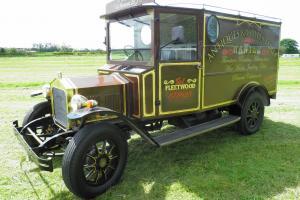 Fleur de lys classic vehicle Newark England