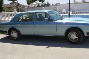 BENTLEY 8 LIMOUSINE 1990 IN STUNNING NORDIC BLUE WITH CREAM LEATHER INTERIOR