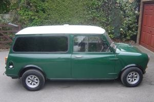 classic1965 mini van factory fitted side windows and rare smooth roof