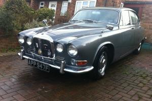 Daimler Sovereign 420 / Similar to Jaguar 420