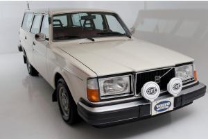 Rare 1977 Volvo 245DL Wagon Manual Photo