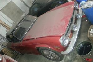 TRIUMPH TR6 FOR VERY LIGHT RESTORATION GENUINE BARN FIND MUST SEE THIS ONE