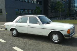 Classic Mercedes 300D W123 1984 Only 61000 miles. Ex Wedding Car -NO RESERVE