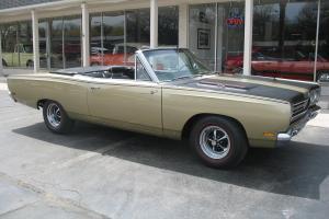 1969 Plymouth Road Runner Convertible Spanish gold 383 Air Grabber