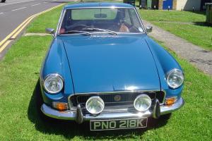 MG B GT BLUE