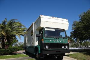 Horse van truck Volvo F 613 1985
