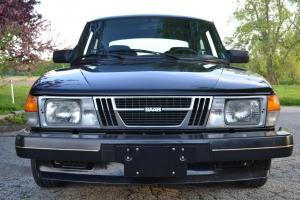 1982 Saab 900 Turbo Hatchback 2-Door 2.0L
