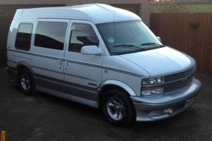 Chevrolet Astro Day Van White/Silver