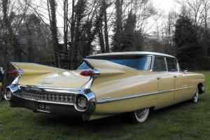 1959 CADILLAC YELLOW