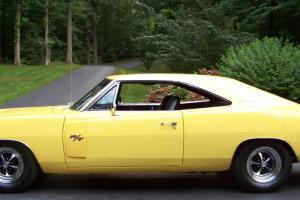 1970 Dodge Charger R/T 440 6 Pack Yellow with Bumble Bee Stripe