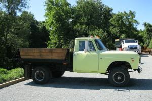 1971 International 1310 4WD Dual Wheel 4spd with Power up/Power Down Dump Bed