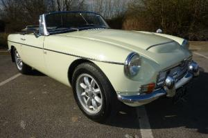 MGC ROADSTER 1969 PROFESSIONAL REPAINT IN SNOWBERRY WHITE COMPLETED MARCH 2013
