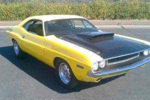 Yellow w/ fiberglass 6pac hood, rebuilt 440, .30 over, 727 auto, 3.23 rear 8.75