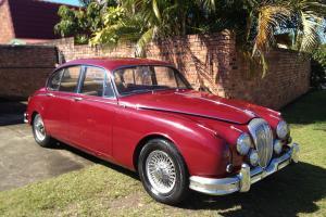 Daimler V8 in Moreton, QLD
