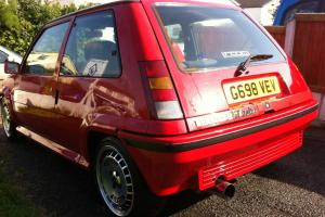 Renault 5 GT Turbo Red GGT  Photo