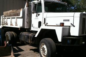 International Harvester Pay Star 5000 two axle dump truck cummings diesel.