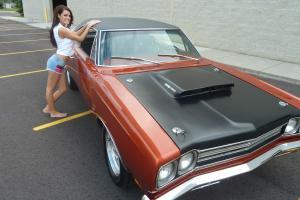 1969 Plymouth RoadRunner Hemi 4 Speed Recently Completed Mango Orange !!