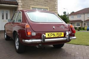 1975 MGB GT RED