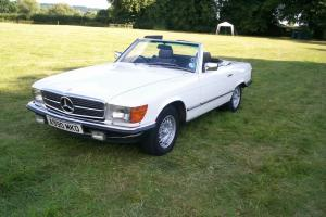 1984 MERCEDES 280 SL AUTO. WHITE. FSH. LOW MILEAGE. LOW OWNERS. LOVELY CAR.