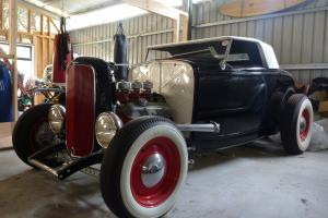 HOT ROD Deuce Roadster 1932