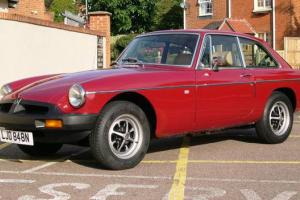 MGB GT 1975 red with overdrive