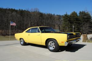 Plymouth Roadrunner 383 cu. in. 4 Speed