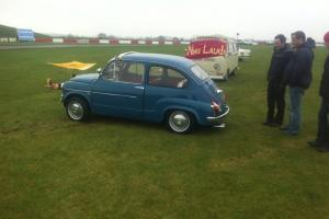 Fiat 600 blue no 500 Abarth