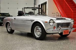 1969 DATSUN 1600 FAIRLADY SPL 311 ROADSTER CONCOURSE RESTORED BEST OF SHOW WOW !
