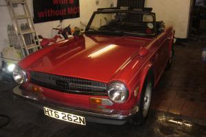1975 TRIUMPH TR6 RED Pi