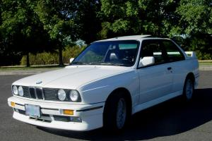 1989 BMW M3 Base Coupe 2-Door 2.3L